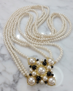 cross point pearl necklace