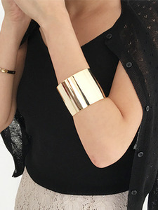 50mm Bold Gold bangle