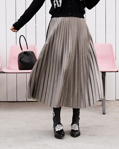 Marron pleats leather=SK