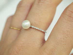 Cubic Pearl Thin Ring